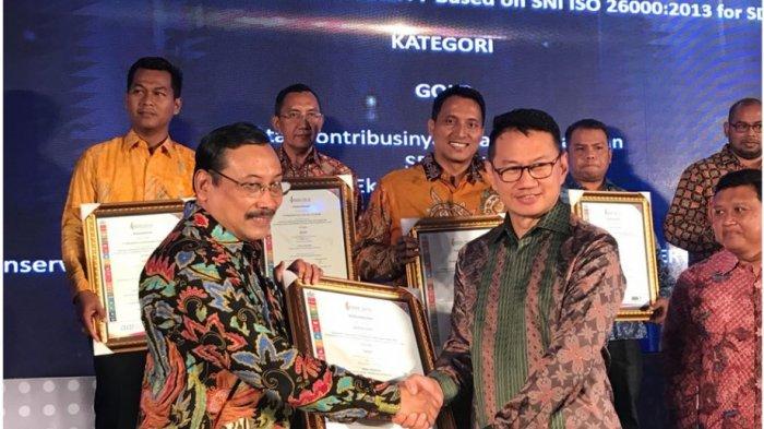 Konsorsium pembangkit listrik Cirebon Power meraih 3 penghargaan dari Indonesian Sustainable Development Award (ISDA) 2018